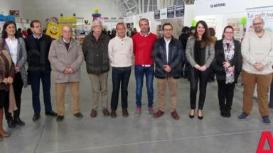 La I Feria del Comercio de Baena abre sus puertas en el Centro de Congresos con una treintena de expositores